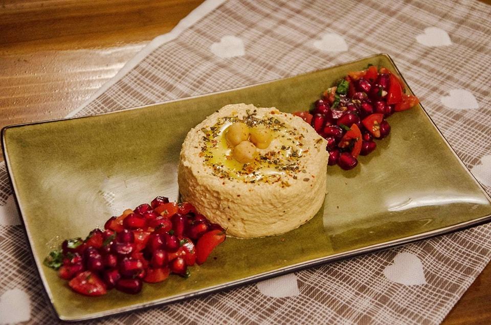 humus cu crema de caju