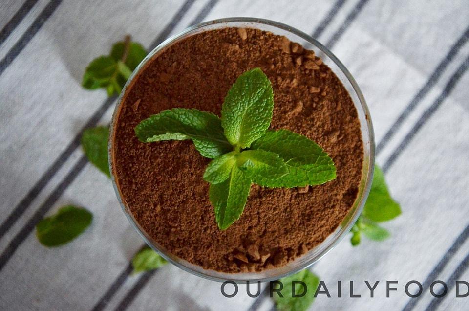 Mousse vegan de ciocolata