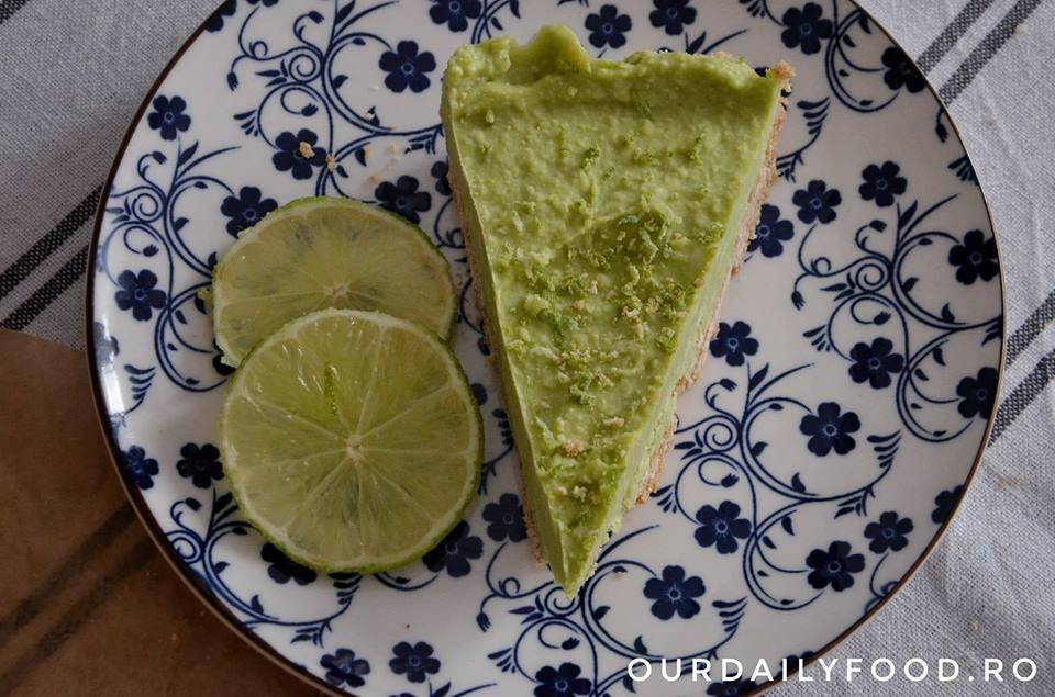 Tarta raw vegana cu avocado si lime (Key Lime Pie)