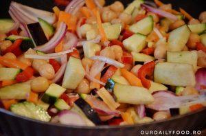 Cous-cous cu legume in stil marocan