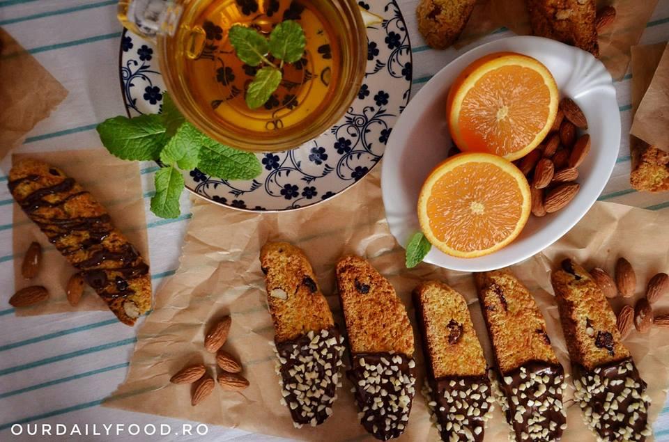 Biscotti/cantuccini vegani cu portocale, migdale si merisoare