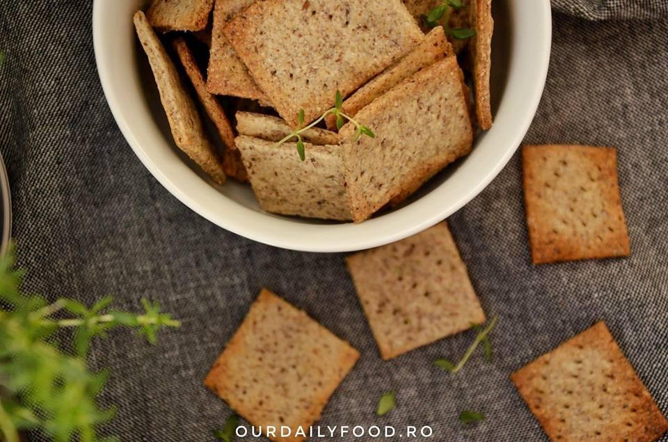 Crackers cu rozmarin sau cimbru sau biscuiti sarati