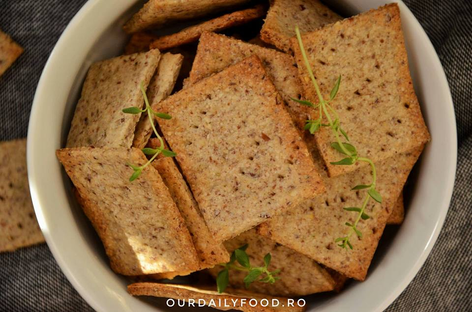 Crackers cu rozmarin si cimbru sau biscuiti sarati