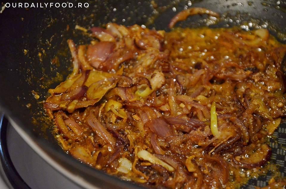 Tocanita indiana de conopida si cartofi
