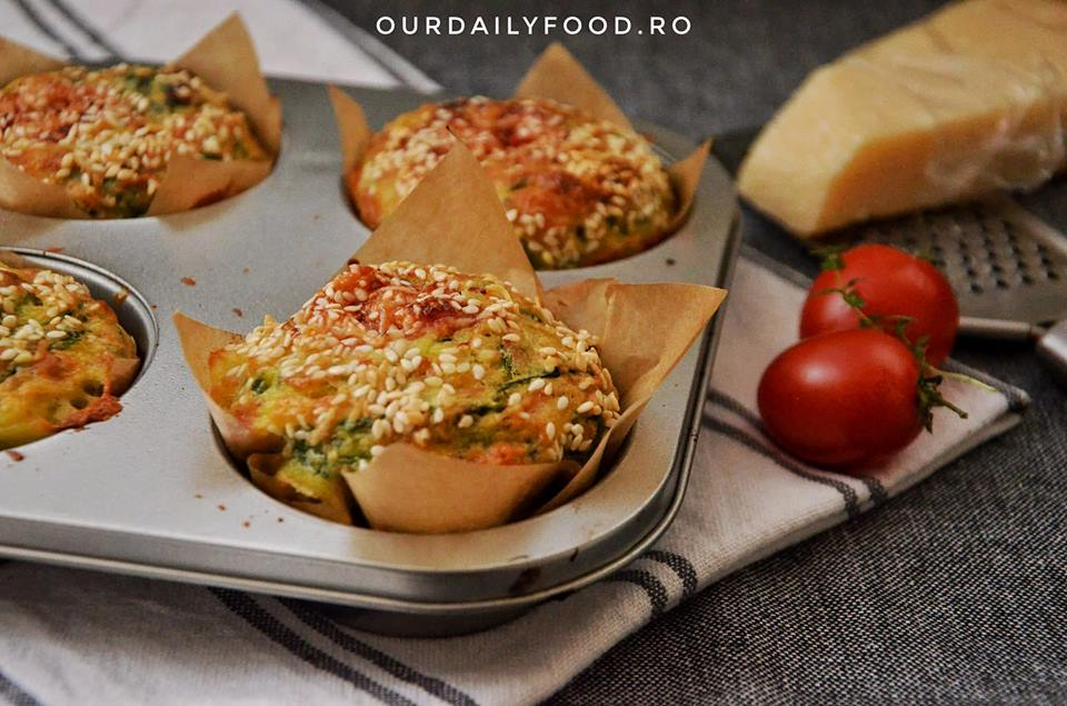 Briose aperitiv cu spanac si mozzarella de bivolita