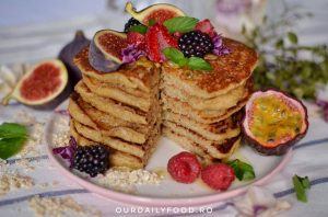 Pancakes cu fulgi de ovaz si banane(de post / vegan)
