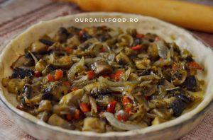 Tarta frageda cu ciuperci, morcov si ardei