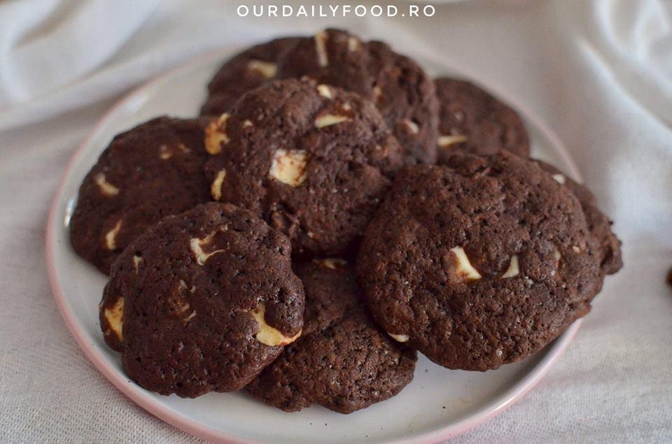Fursecuri/biscuiti triplu ciocolata