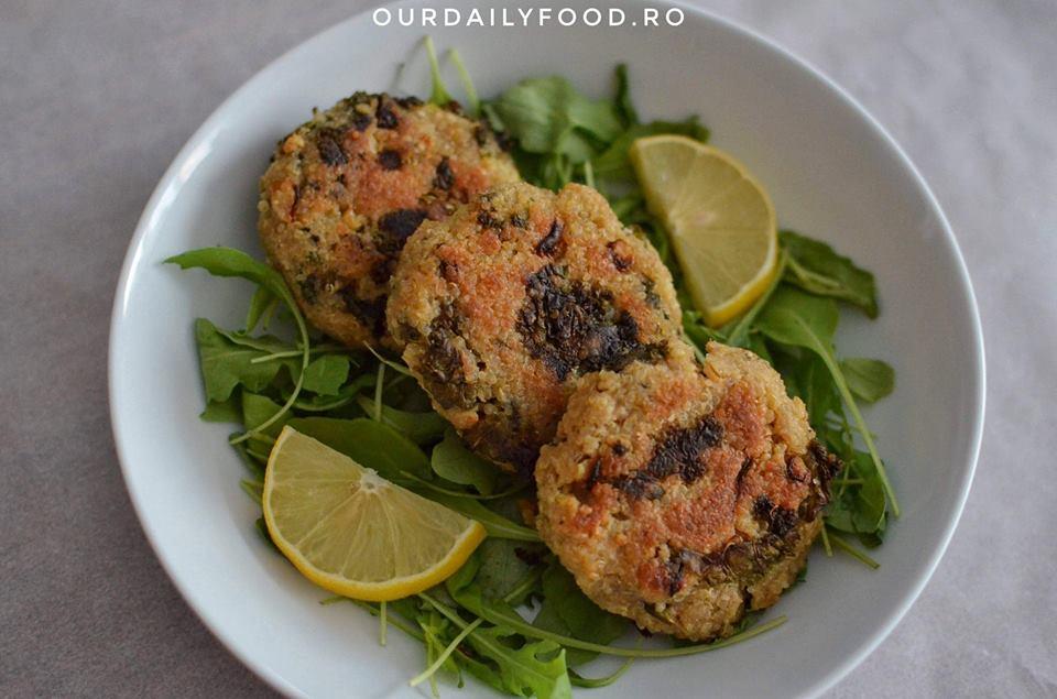 Chiftele sau burgeri din quinoa si kale