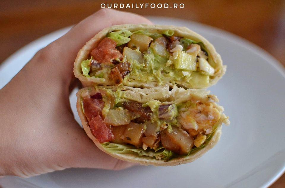 Breakfast burrito sau burrito vegetarian pentru micul dejun