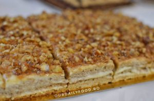 Prajitura Krantz - cu blat de nuca si crema de vanilie