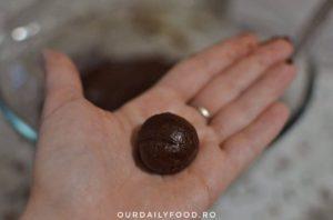 Biscuiti crapati sau crinkles cu ciocolata si menta