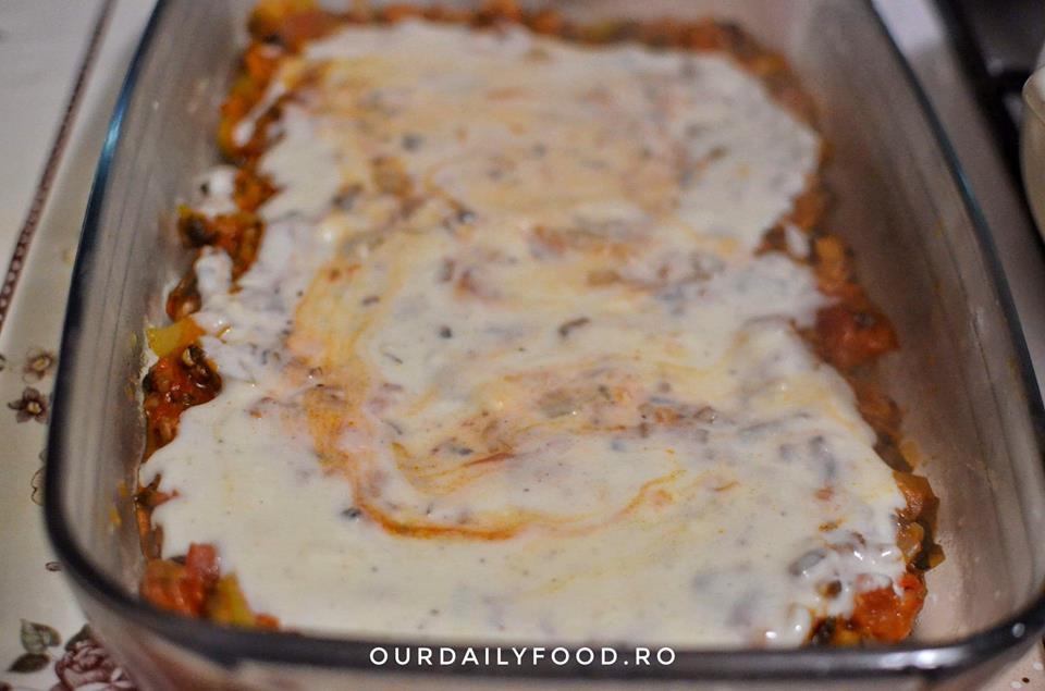 Lasagna vegetariana cu legume si bechamel