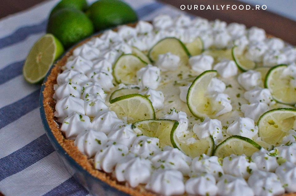 Tarta fara coacere cu lime (lamaie verde)