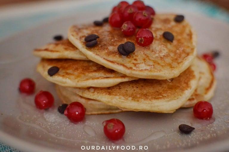 Pancakes (clatite americane) cu iaurt - fara ou