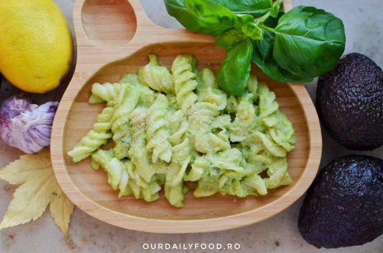 Paste cu sos de mazare si avocado