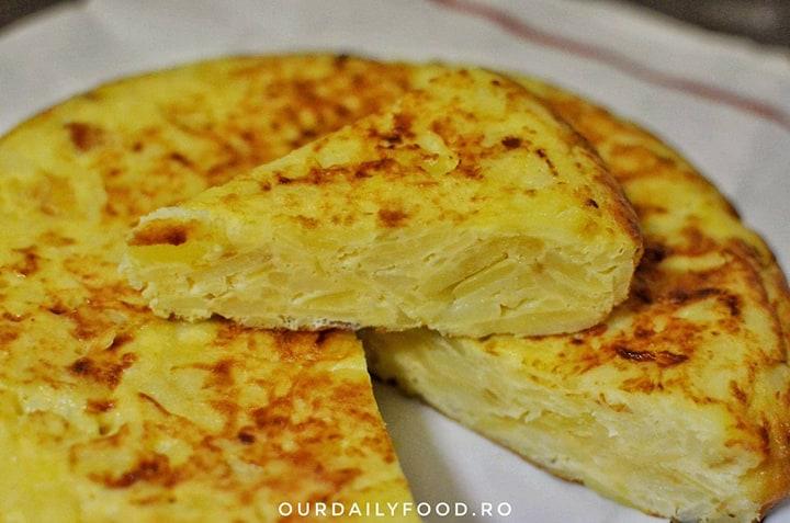 Tortilla de patatas sau omleta spaniola cu cartofi